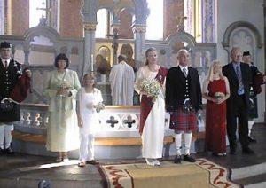 Två säckpipeblåsare på ett av många bröllop